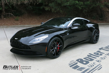 Aston Martin DB11 with 22in Savini SV-F 4 Wheels