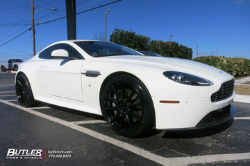 Aston Martin Vantage with 20in Niche Essen Wheels
