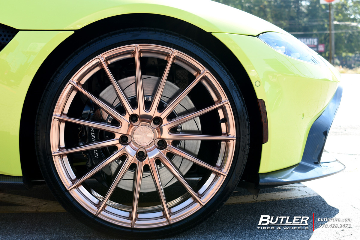 Aston Martin Vantage with 22in Avant Garde M615 Wheels