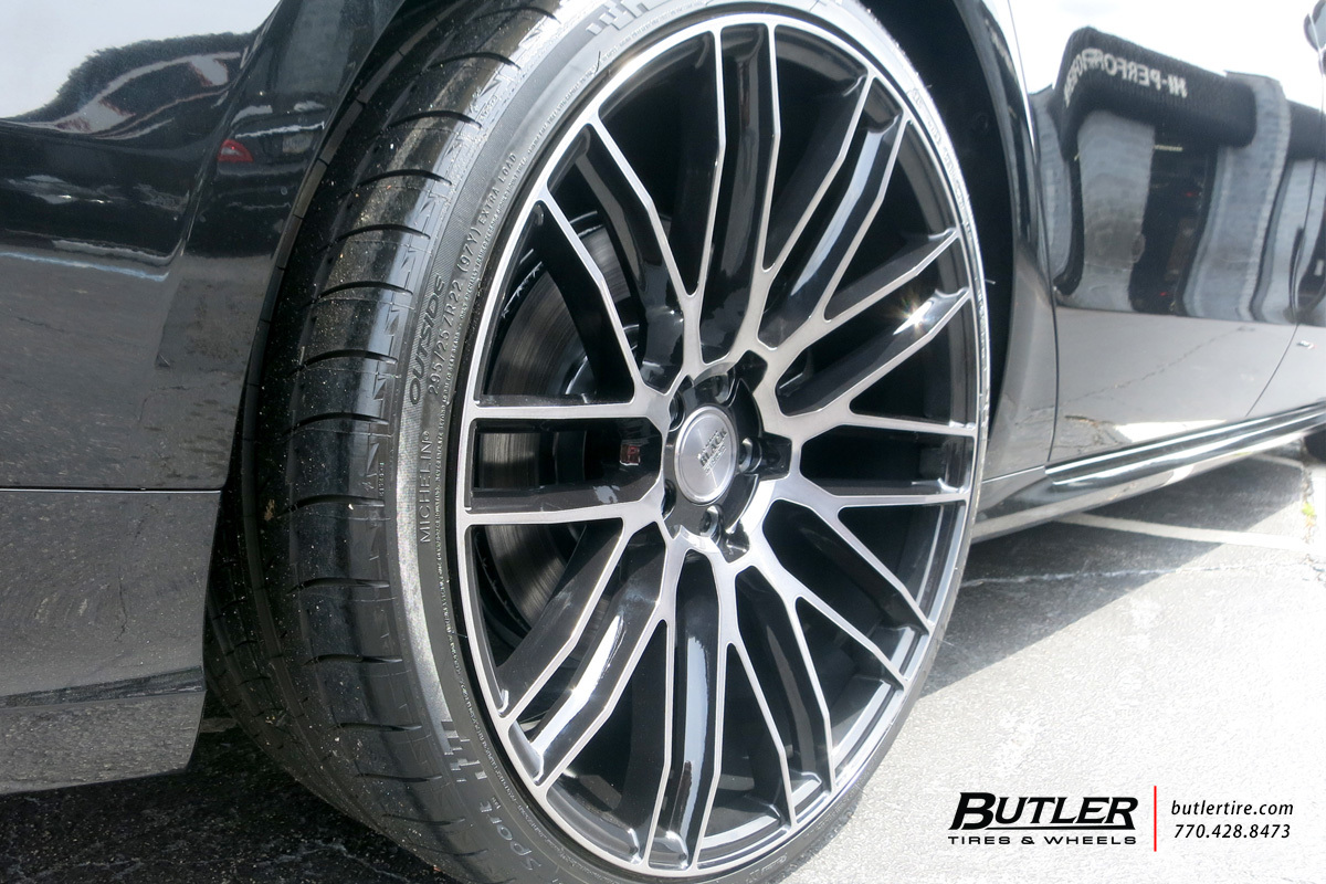 Audi A8 with 22in Savini BM13 Wheels