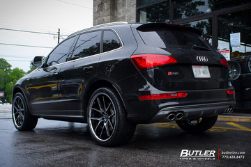 Audi Q5 with 22in Lexani R-Twelve Wheels