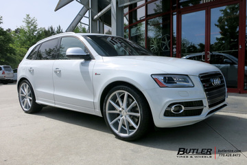 Audi Q5 with 22in Vossen VFS1 Wheels