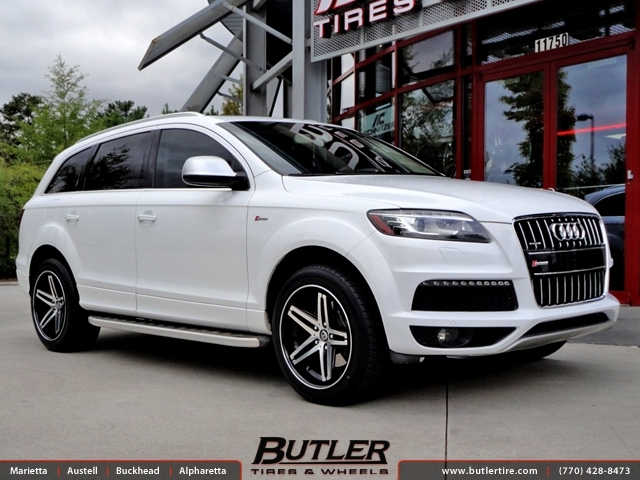 Audi Q7 with 20in Lexani R-Five Wheels