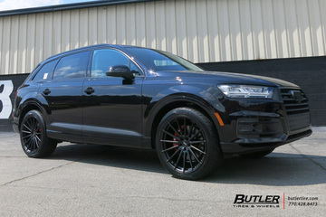 Audi Q7 with 22in Avant Garde M615 Wheels