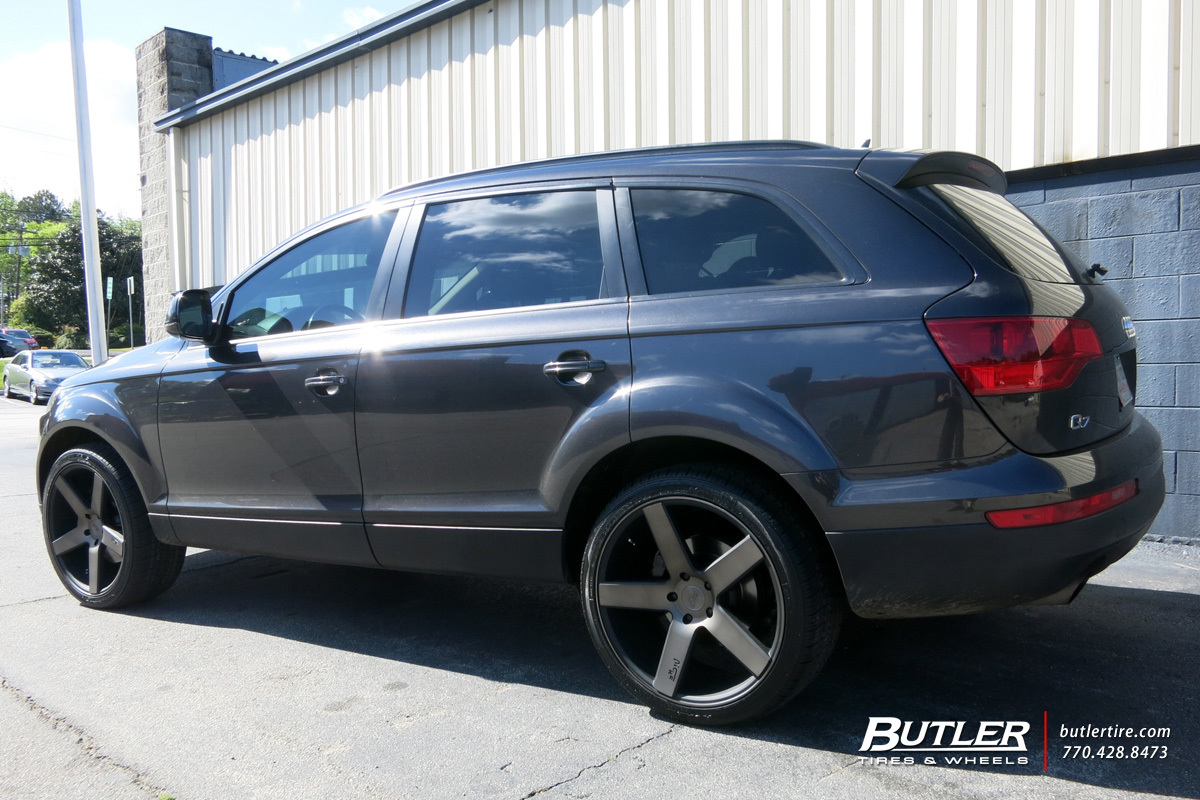 Audi Q7 with 22in DUB Baller Wheels