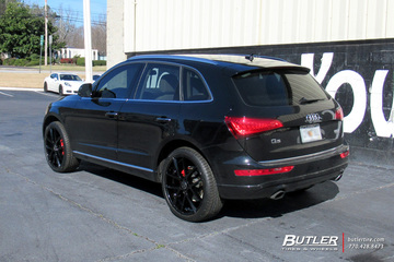 Audi Q7 with 22in Lexani Stuttgart Wheels