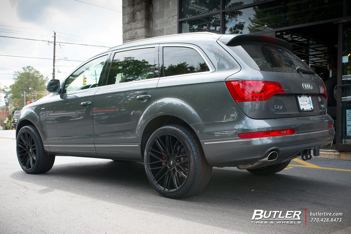 Audi Q7 with 22in Savini BM13 Wheels