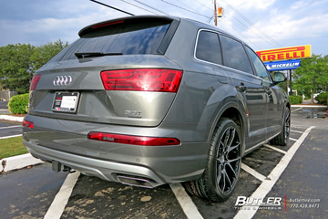 Audi Q7 with 22in Savini BM14 Wheels