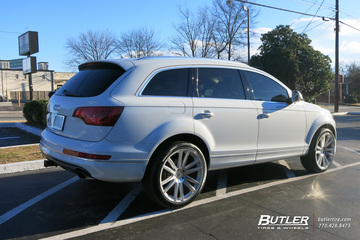 Audi Q7 with 22in TSW Gatsby Wheels