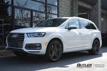 Audi Q7 with 22in Vossen HF-1 Wheels