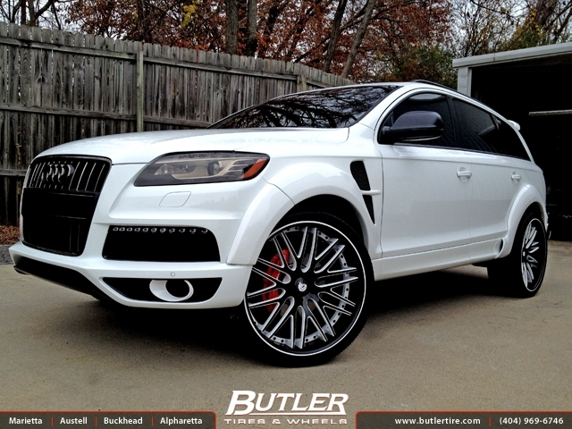 Audi Q7 with 24in Savini XC25c Wheels