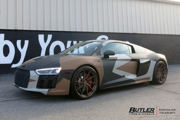 Audi R8 with 20in Avant Garde M621 Wheels