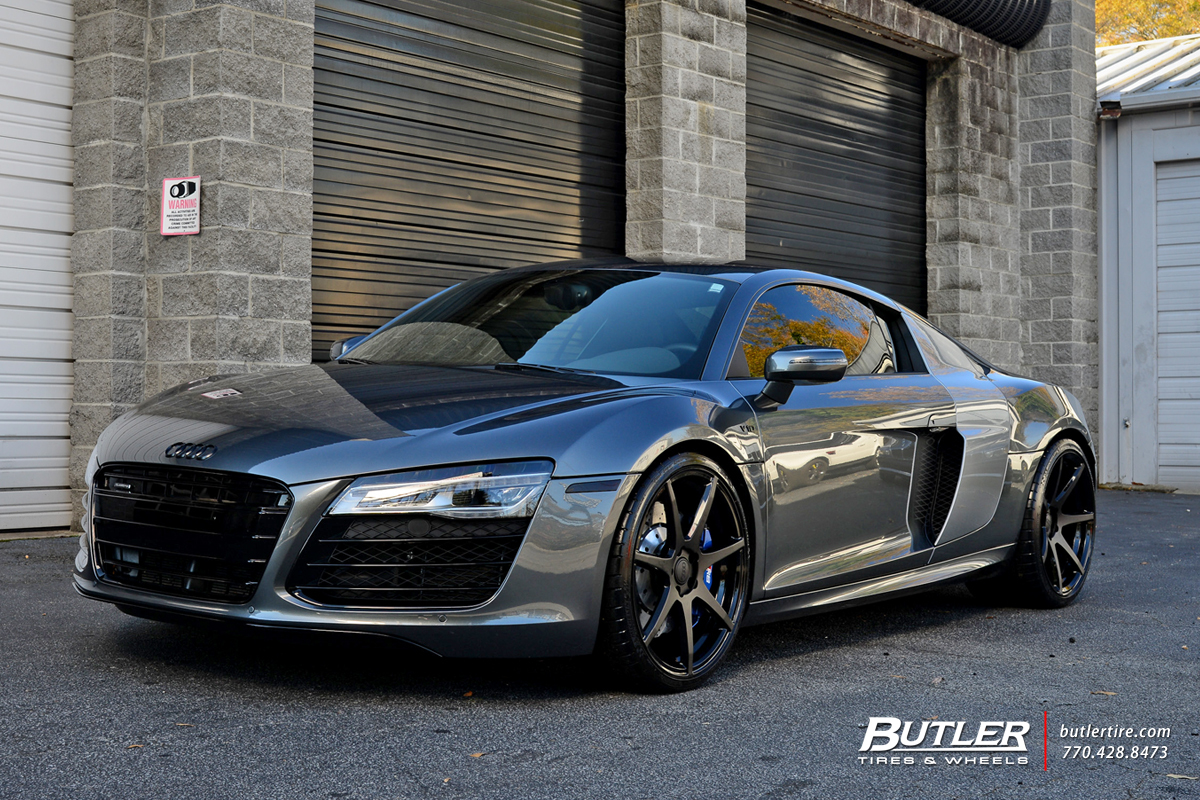 Audi R8 with 20in Savini BM10 Wheels