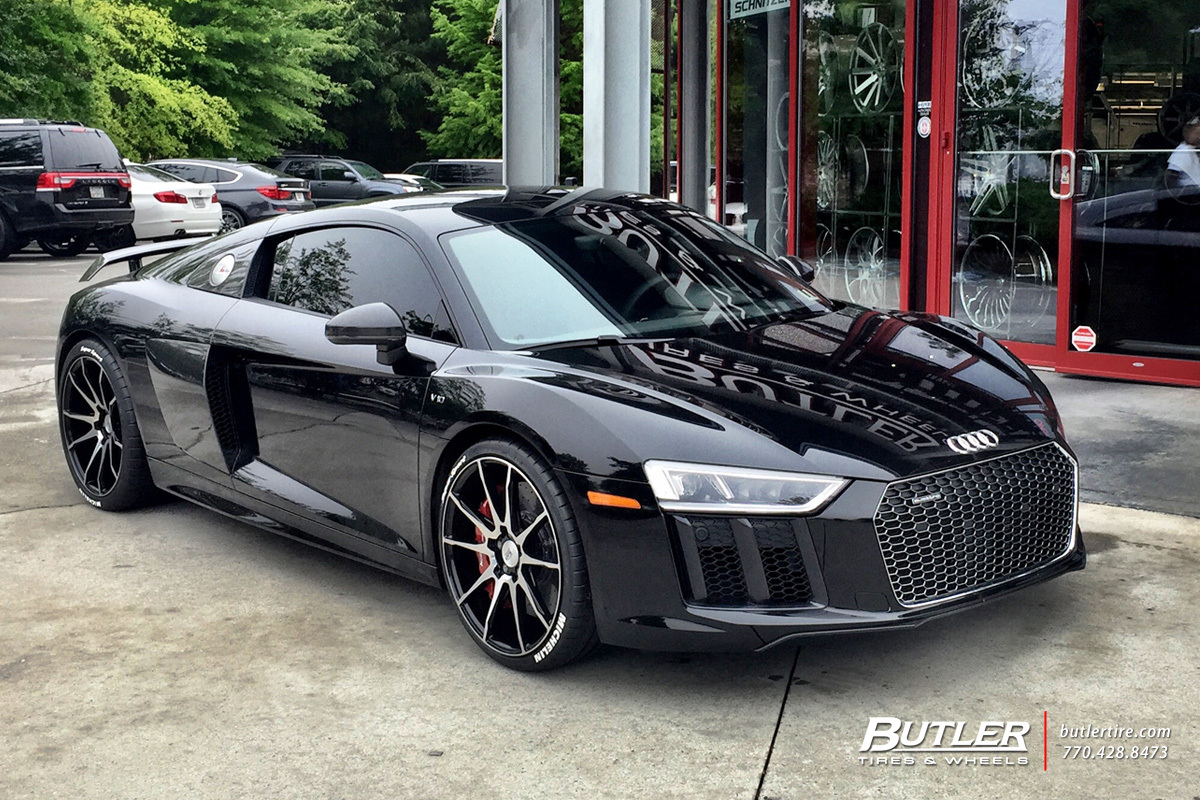 Audi R8 with 20in Savini BM12 Wheels