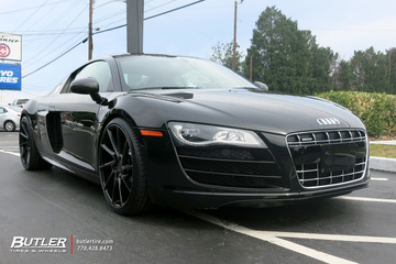 Audi R8 with 20in Savini BM15 Wheels
