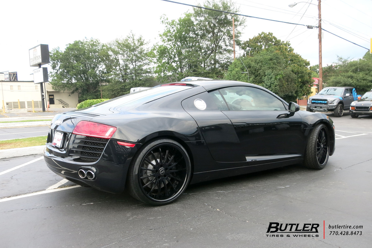 Audi R8 with 20in Savini SV34s Wheels