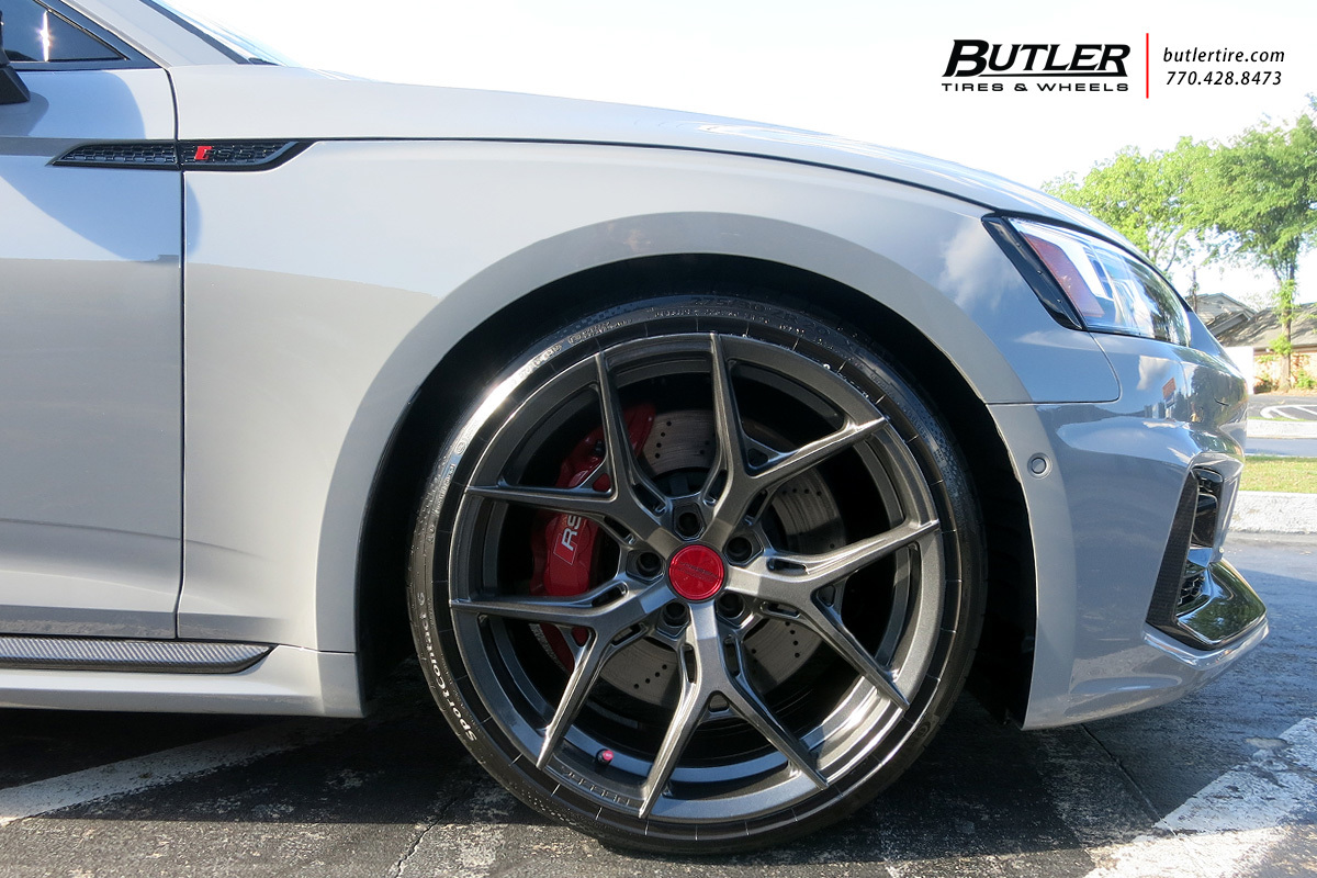 Audi RS5 with 20in Vossen HF-5 Wheels