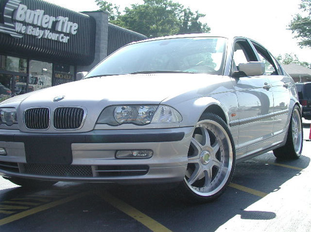 BMW 3 Series with 19in Axis Se7en Mod Wheels