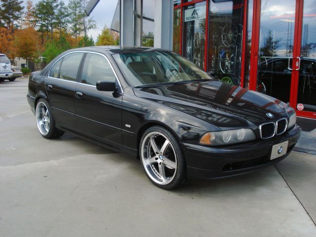 BMW 5 Series with 20in Axis Shine Wheels