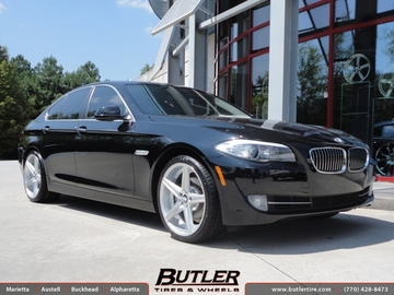 BMW 5 Series with 20in Niche Apex Wheels