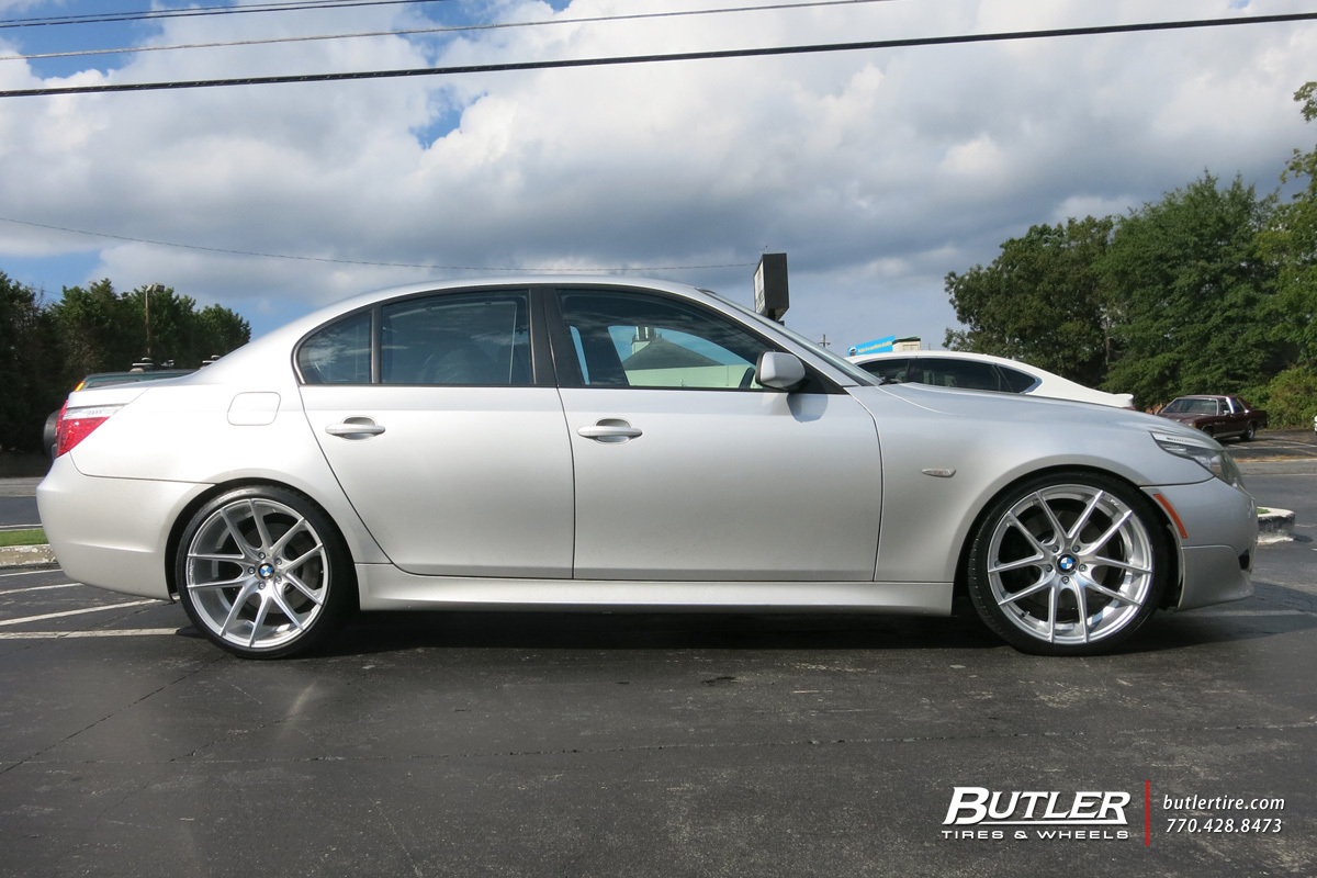 BMW 5 Series with 20in Niche Targa Wheels