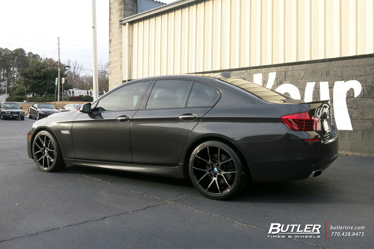 BMW 5 Series with 20in Savini BM14 Wheels