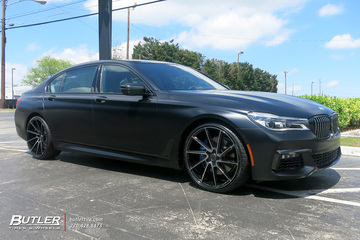 BMW 7 Series with 22in Savini BM15 Wheels