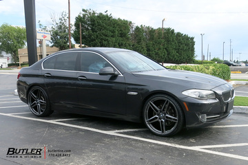 BMW 5 Series with 22in Savini SV-F 3 Wheels