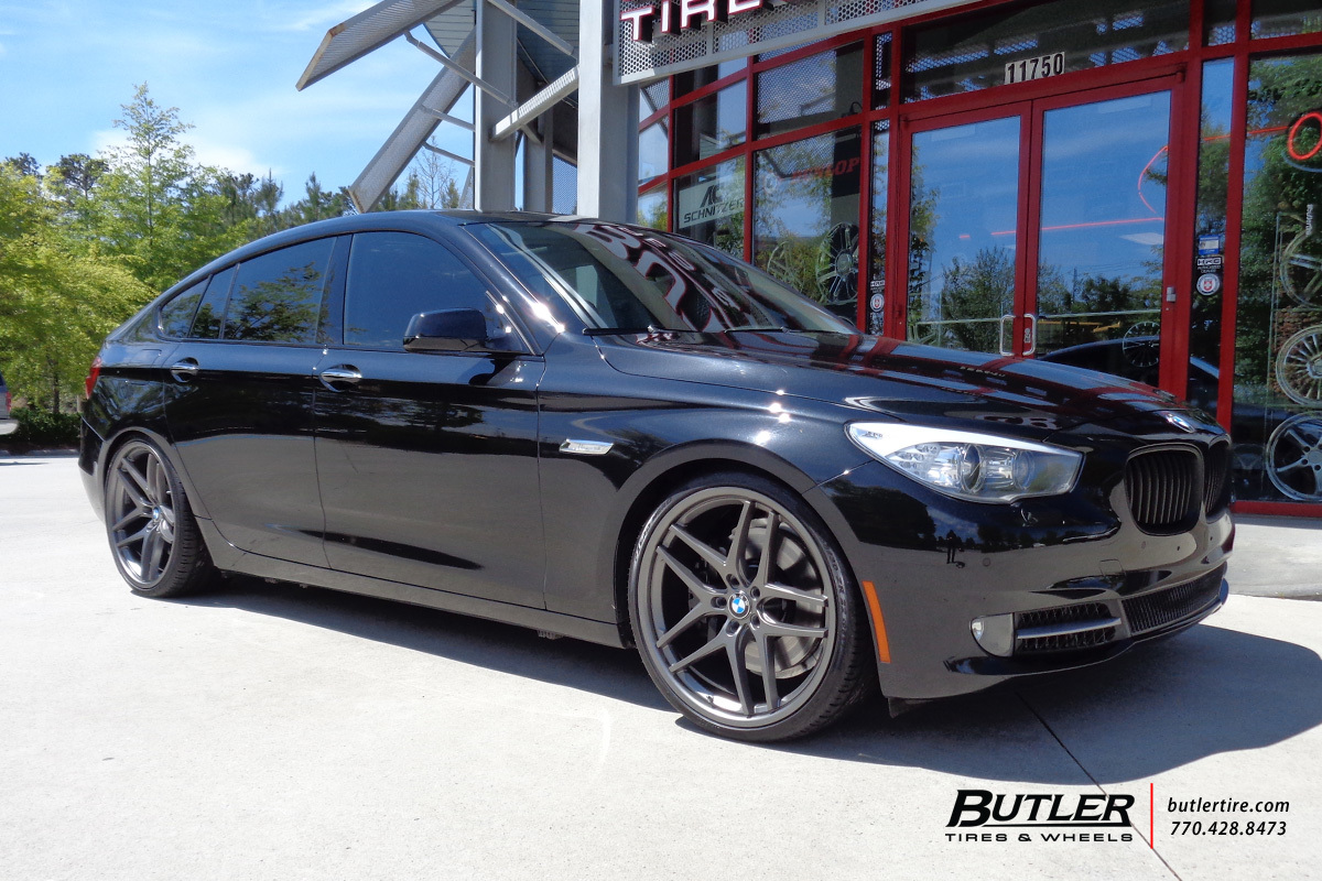 BMW 5 Series GT with 22in Savini BM7 Wheels