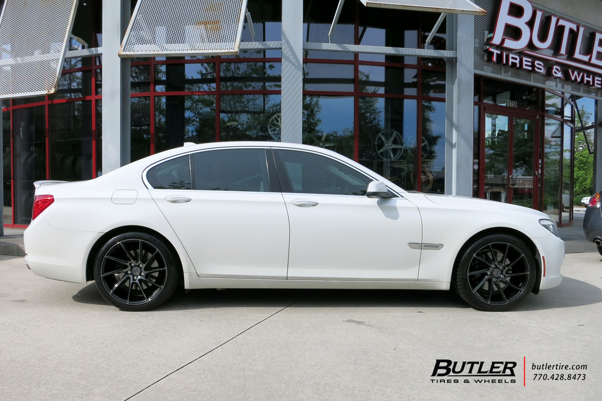 BMW 7 Series with 20in Savini BM15 Wheels