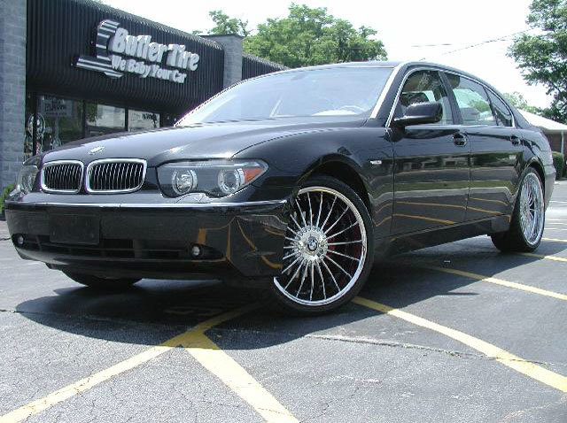 BMW 7 Series with 22in Axis Alpine Wheels