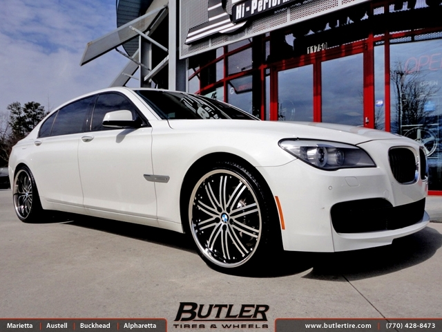 BMW 7 Series with 22in Niche Touring Wheels