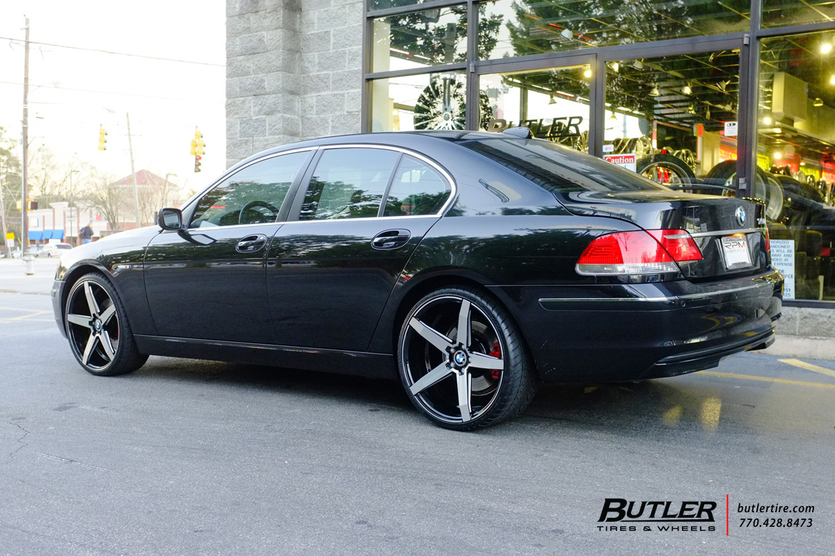 BMW 7 Series with 22in Savini BM11 Wheels