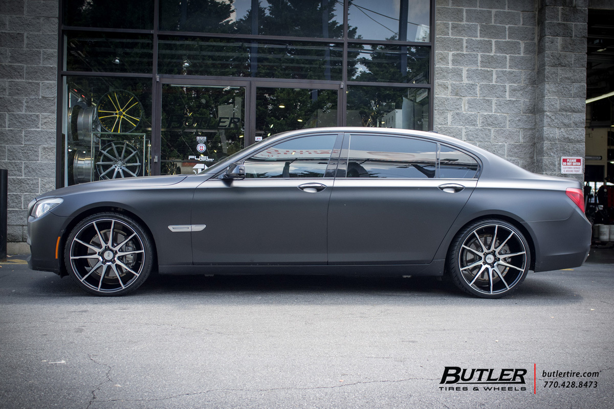 BMW 7 Series with 22in Savini BM12 Wheels