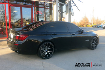 BMW 7 Series with 22in Savini BM14 Wheels