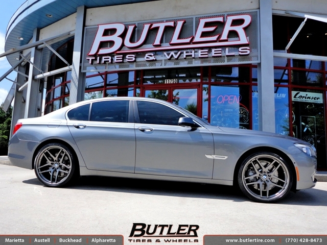 BMW 7 Series with 22in Savini BM7 Wheels