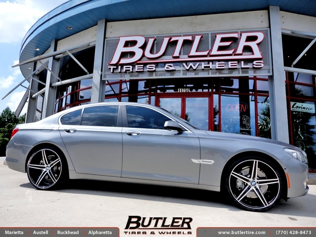 BMW 7 Series with 22in Savini BM8 Wheels