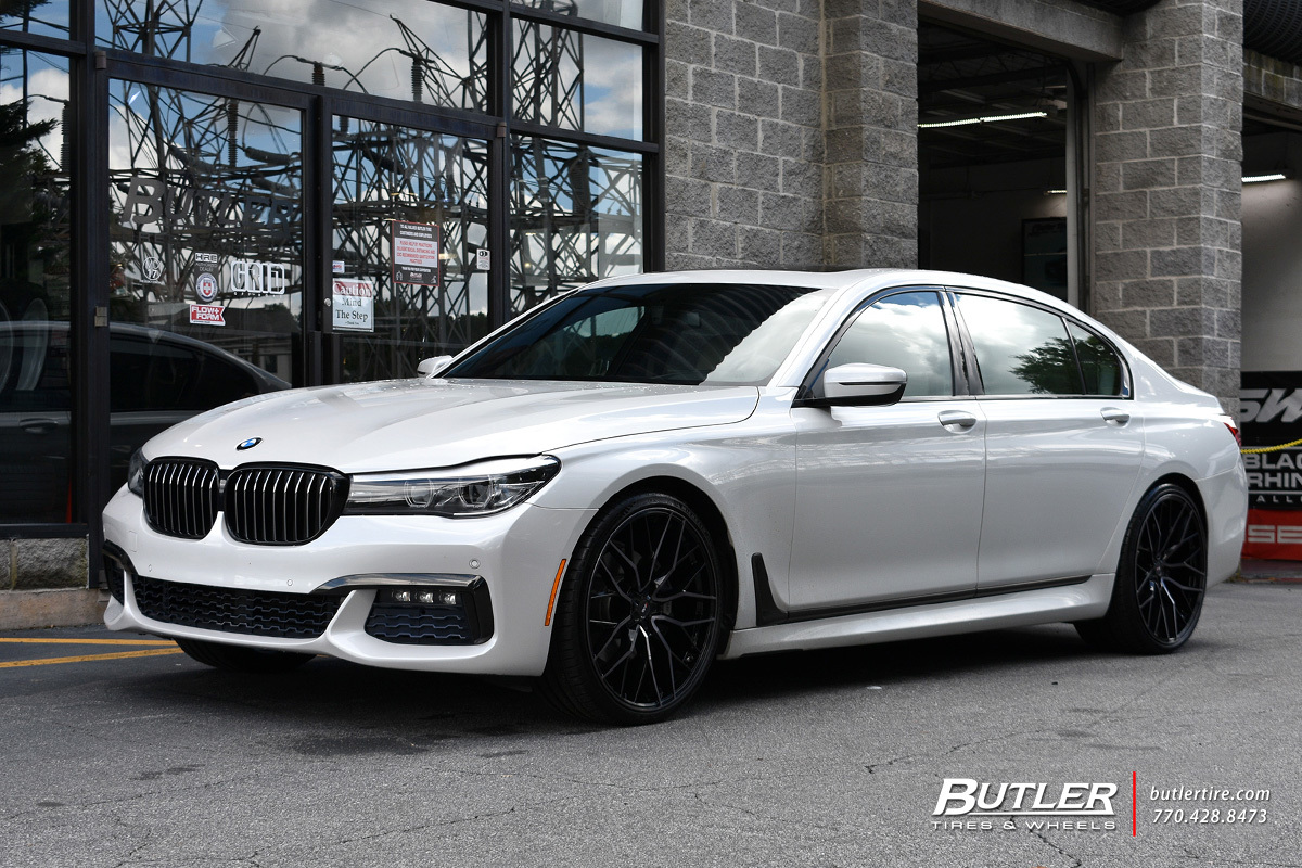 BMW 7 Series with 22in Savini SV-F2 Wheels