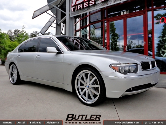 BMW 7 Series with 22in XO Rio Wheels