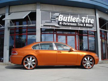 BMW 7 Series with 24in Autocouture KF4 Wheels