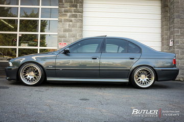 BMW M5 with 19in Rotiform LVS Wheels