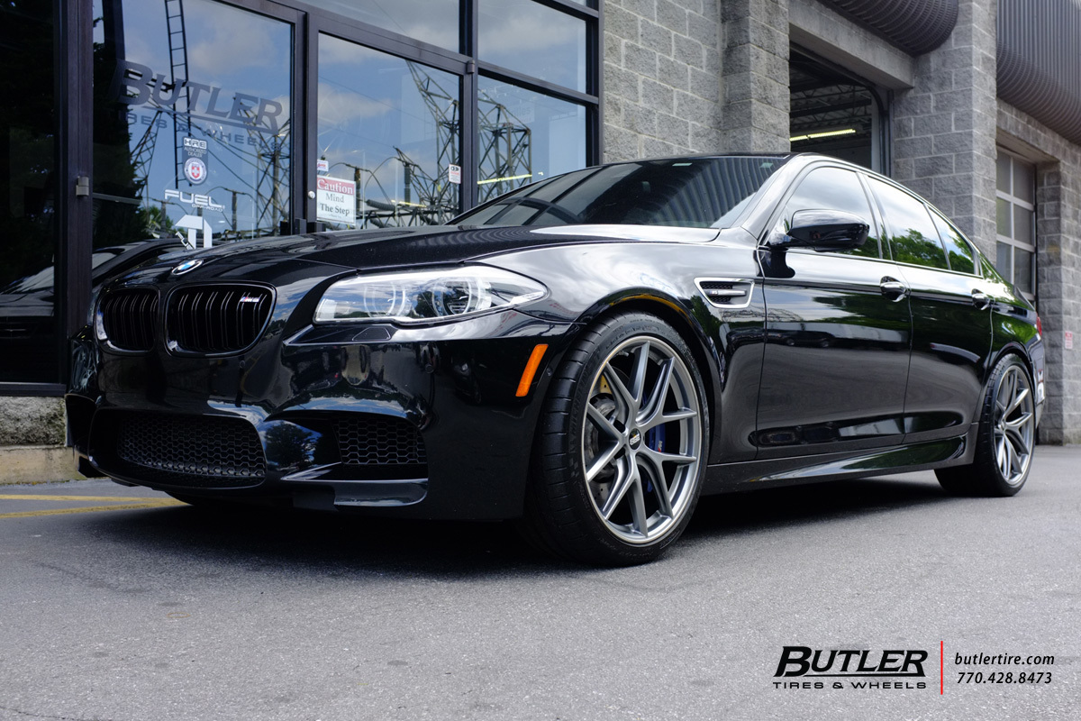 BMW M5 with 20in BBS CI-R Wheels