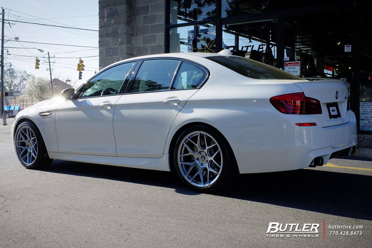 BMW M5 with 20in HRE FF01 Wheels