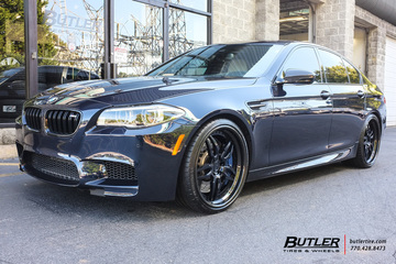 BMW M5 with 21in DUB Attack 5 Wheels