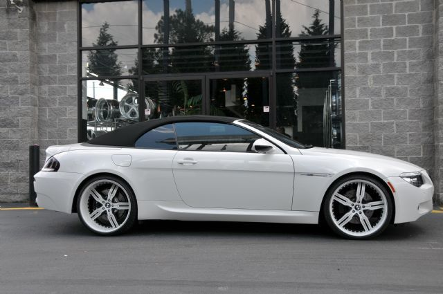 BMW M6 with 22in Autocouture Malice 5 Wheels