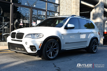 BMW X5 with 21in Savini SV-F4 Wheels