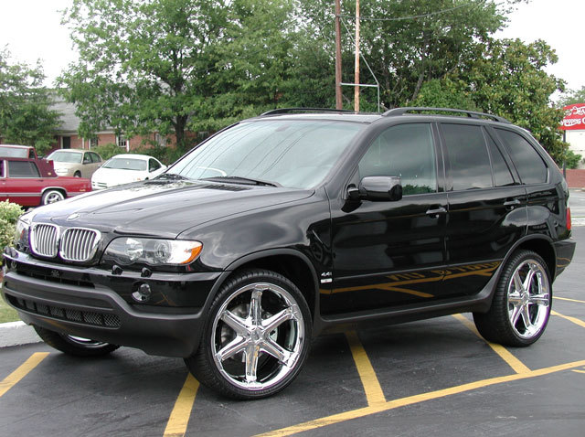 BMW X5 with 22in Antera 301 Wheels