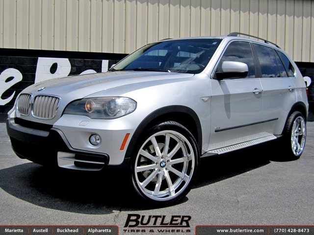BMW X5 with 22in DUB Type 39 Wheels