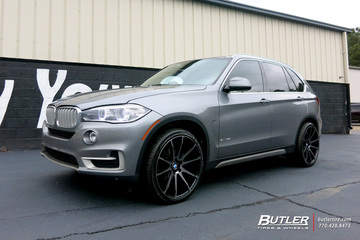 BMW X5 with 22in Savini BM12 Wheels