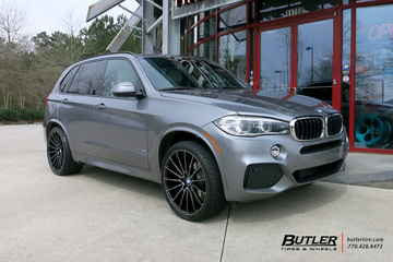 BMW X5 with 22in Savini BM16 Wheels